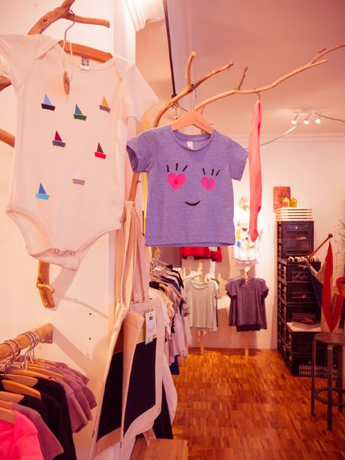 t-shirt-store-jordaan-amsterdam-universe-on-a-t-shirt-25.jpg